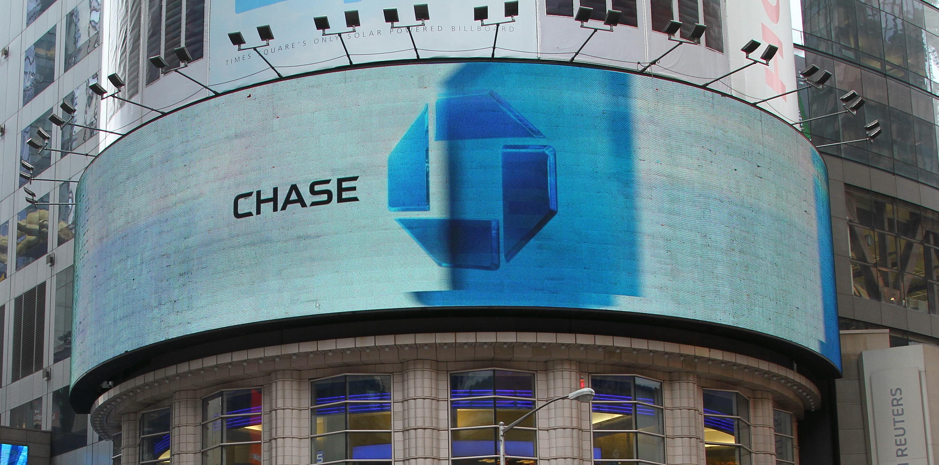 chase bank in times square i took a similar photo ofpnc bank hours what time does pnc bank close openare banks open thanksgiving day - Chase Bank Open Christmas Eve